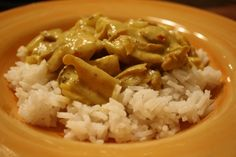 5 Ingredient Coconut Chicken Curry - Made this and it's good!  The hubs thought crushed peanuts would be a good addition, but then it wouldn't be 5 ingredients, would it? =)