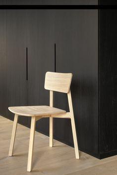 The Ethnicraft Casale chair. Designed by Studio Kaschkasch.