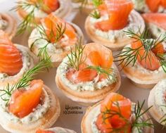 10 delicious fillings for tartlets / Amazing Cooking Wedding Appetizers, Finger Food Appetizers, Appetizer Recipes, Shower Appetizers, Appetizer Ideas, Snack Recipes, Dill Recipes, Smoked Salmon Recipes, Wedding Finger Foods
