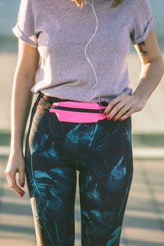 The Spibelt comes in so many fabulous colors but my favoirte in this neon pink! MOTIVATION /Workout