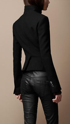 Burberry skinny fit tailored blazer and leather pants Looks Style, Style Me, Look Fashion, Winter Fashion, Fashion Sets, Fashion Hair, Mode Shoes, Mode Outfits, Casual Outfits
