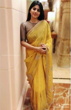 Megha Akash Hot HD Photos & Wallpapers for mobile – Tepe Time Silk Saree Blouse Designs, Fancy Blouse Designs, Saree Blouse Patterns, Bridal Blouse Designs, Indian Designer Outfits, Latest Designer Sarees, Indian Outfits, Dress Indian Style, Indian Wear
