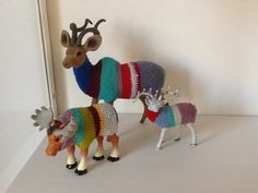 Animals with a crocheted jacket - Vanhanneke