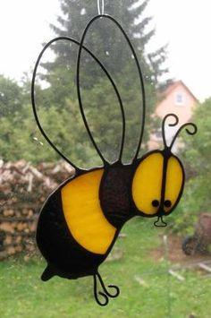 Peter Kahlen -Glaskunst-Lauf auf KUSELVER, Biene