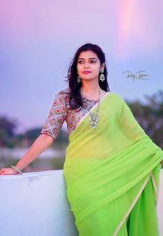 Beautiful Girl In India, Beautiful Girl Photo, Beautiful Saree, Beautiful Indian Actress, Beautiful Actresses, Beautiful Women, Beauty Full Girl, Cute Beauty, Beauty Women