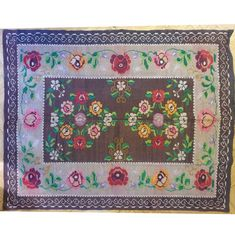 Old authentic Romanian rug, handmade in wool. Cosy brown background with beautiful flowers, very charming and beautiful! Wool Carpet, Rugs On Carpet, Vintage Rugs, Vintage Items, Handmade Items, Handmade Gifts, Rug Making, Romania, Wool Rug