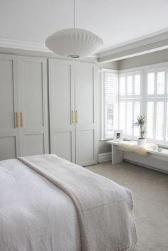 Quiet and fresh bedroom // neutral bedroom decor with built-in . - Quiet and fresh bedroom // neutral bedroom decor with built-in ins Quiet and fresh bedroom // neutr - Neutral Bedroom Decor, Neutral Bedrooms, Home Decor Bedroom, Trendy Bedroom, Master Bedrooms, Budget Bedroom, Bedroom Colour Schemes Neutral, Decor Room, Bedroom Furniture
