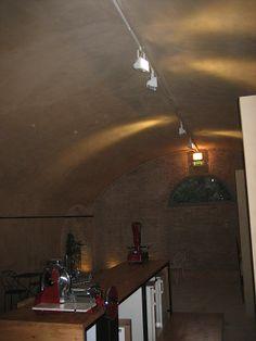 Cantine illuminate con NAGUS 12 W http://www.sgaravattiplant.it/product/nagus