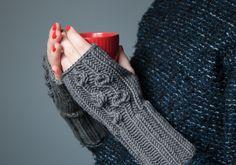 Lovely hand made Tenderside mittens made of merino wool. Available on www.tenderside.com
