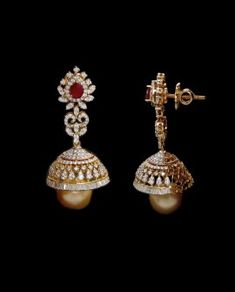 Diamond Jhumkas, Diamond Earing, Diamond Jewellery, Gold Jewelry, Heavy Earrings, Simple Earrings, Fashion Blouses, Gold Earrings Designs, Ear Rings