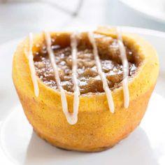 Super Quick Gluten Free Pumpkin Cinnamon Rolls—Yeast Free, Too! (Gluten Free on a Shoestring) Gluten Free Vanilla Cake, Gluten Free Cakes, Gluten Free Baking, Gluten Free Desserts, Gf Recipes, Dairy Free Recipes, Pumpkin Recipes, Baking Recipes, Bread Recipes