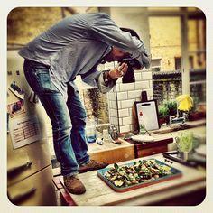 Shooting food was soooo glam !!not ! My man @davidloftus  doing his thing big love everyone - @jamieoliver | Webstagram