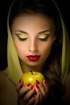 ... SAPPHISTICATED, SHE SOARS WITH POETIC WINDS • gardenofelegance: Garden of Eleganceಌ