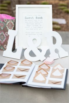 mini envelope guestbook idea | leave a love note | diy guestbook idea | #weddingchicks