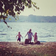 Surprise your kids with a picnic and a swim at Minet's Point Beach after work today! #visitbarrie #summertimefun #picnic #park #getoutandplay tourismbarrie's photo on Instagram