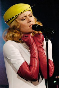 Roisin Murphy in one of Scottish Milliner, William Chambers gorgeous hats