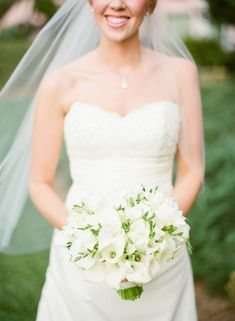 White Bridal Bouquet | photography by http://justindemutiisphotography.com