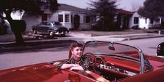 Debbie Reynolds in her Torch Red 1955 Ford Thunderbird Old Movie Stars, Classic Movie Stars, Classic Cars, Classic Movies, Hollywood Stars, Classic Hollywood, Old Hollywood, Hollywood Glamour, Diana Dors