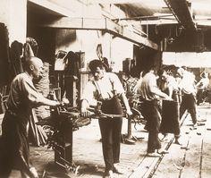 http://www.koryna.cz/root/document/firma/historie/ohybaci_1920.jpg