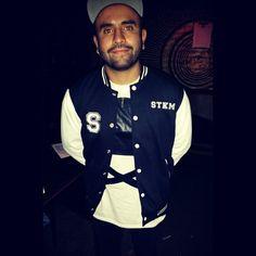 Fear de #allison con su STOCKHOLM CO varsity jacket,  #brands #clothingline #madeinmexico #streetwear #urbanapparel #modaurbana #chamarra #chamarrauniversitaria #lineaderopa #marcaderopa www.stkm.co www.facebook.com/stkmcompany @allisonband #allisonband