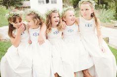 Wedding wednesday: Kinderen op je bruiloft, tips en tricks. Waarom kinderen wel of niet uitnodigen op een bruiloft en hoe maak je het leuk voor kinderen? Bruidsmeisjes en bruisjonkers