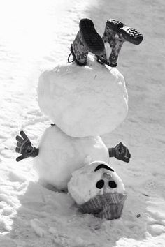 Trains, Teddy Bears and abandoned places – Winterbilder Christmas Past, Christmas Wishes, Winter Fun, Winter Snow, Funny Snowman, Snow Sculptures, Snow Art, Build A Snowman, Winter Photography