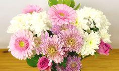 Je boeket bloemen op zo'n manier in de vaas dat het een mooie, volle bos lijkt, dat is wat we…