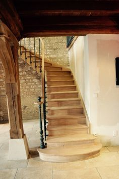 21 Ideas Stairs Design Architecture Newel Posts For 2019 Hardwood Stairs, Wooden Stairs, Painted Staircases, Stone Stairs, Rustic Entryway, Main Door Design, Stair Decor, Floating Stairs, Newel Posts