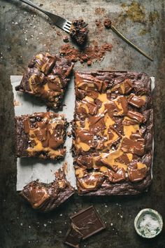 Triple Chocolate Fudgy Brownies with Caramel are the best brownies from scratch you will ever tease your taste buds with. Caramel Recipes, Brownie Recipes, Chocolate Recipes, Cake Recipes, Dessert Recipes, Best Brownies, Fudgy Brownies, Chocolate Brownies, Caramel Brownies