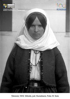 Folk Costume, Costumes, Arya, Dream Dress, Romania, Ethnic, Europe, Portraits, Culture