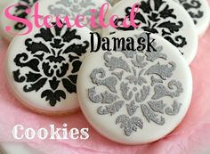 Pretty Stenciled Damask Cookies with Royal icing Galletas Cookies, Iced Cookies, Cute Cookies, Royal Icing Cookies, Chocolate Chip Cookies, Sugar Cookies, Cupcakes, Cupcake Cookies, Cookie Tutorials