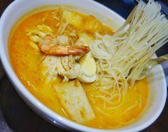 Cold weather food!! Singaporean laksa at Coco-Hut Singaporean Restaurant in #RichmondBC. Still liking @chefJustincheung's #Laksa