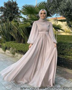 Plain Wedding Dress, Modest Wedding Dresses With Sleeves, Muslim Fashion, Hijab Fashion, Fashion Dresses, Hijab Dress Party, Minimalist Dresses, Beautiful Hijab, Ball Dresses