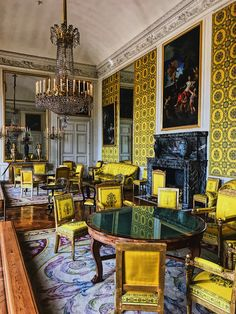 Louis-Philippe's family room, Grand Trianon- Château de Versailles Versailles, Royal Palace, Palaces, Castles, Family Room, France, Interior Design, Painting, Nest Design