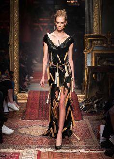 Moschino Autumn/Winter 2016 Fashion Show - See more on www.moschino.com!