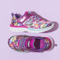 70d10fdf1b05 She ll always have the perfect accessories wearing the SKECHERS Shopkins   Dream N Dash