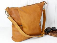 Leather Hobo Bag from Scaramanga's original and classic leather bag collections Shopper Tote, Satchel, Crossbody Bag, Tote Bag, Leather Hobo Bags, Classic Handbags, Everyday Bag, Vegetable Tanned Leather, Leather Accessories