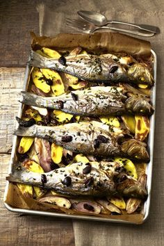 Roasted Sea Bass with Potatoes, Capers & Olives by Ruth Rogers: 5 minute prep and then 20 minutes in the oven!