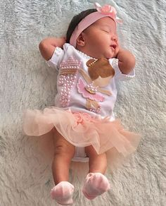 Cute Baby Girl, Cute Babies, Baby Kids, Baby Outfits Newborn, Baby Girl Newborn, One Month Baby, Korean Babies, Mother And Baby, Nursery Inspiration