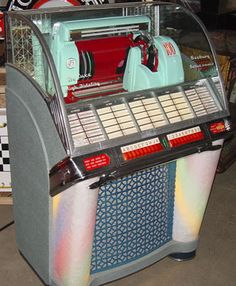 Did you ever choose a record to play from a Jukebox? B17 please!