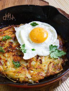 acibecheria: Rosti de puerros y queso gruyere con huevos fritos