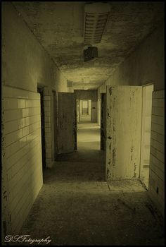 Abandoned Asylums, Abandoned Places, Last Door, Asile, Central States, Derelict Buildings, Abandoned Hospital, Beneath The Surface, City Landscape
