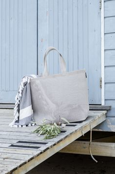 Woodnotes Beach bag, size L, color stone. Bag is ideal for the beach, the sand doesn't get stuck on the bag and is easy to clean up. Material is paper yarn. Bag is light weight to carry on. Fix My Credit, Yarn Bag, Color Stone, Clean Up, Photo Credit, Throw Pillows, Paper, Beach, Accessories