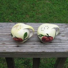 1940s - 1950s Vintage Hand Painted Purinton Salt & Pepper Set in Ball Shape with Handles and Corks, Apple Design, Good Condition, Unmarked by VictorianWardrobe on Etsy