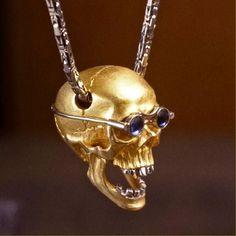 Kim Eric Lilot, 18Kt gold SKULL pendant !