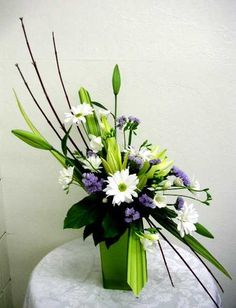 Striking arrangement - This site is full of very creative arrangements by people learning how!
