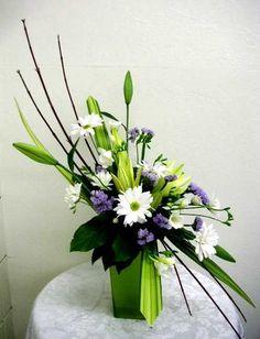 Contemporary Floral Arrangements   ... they say flower arrangement it automatically means european floral
