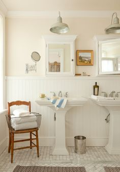 Half bath idea - love the pedestal sink and light matched with the flooring and wall coloring...