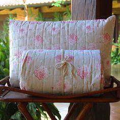 Quilt de 200 hilos. Diseño Rositas Rosa. Colección Alanna