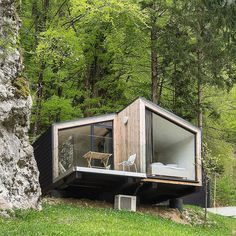 Architektur Latest Drug Abuse Statistics in Young People This November, there have been several new Cabin Design, Tiny House Design, Modern House Design, Tiny Cabins, Tiny House Cabin, Cabins In The Woods, House In The Woods, Shipping Container House Plans, Casas Containers
